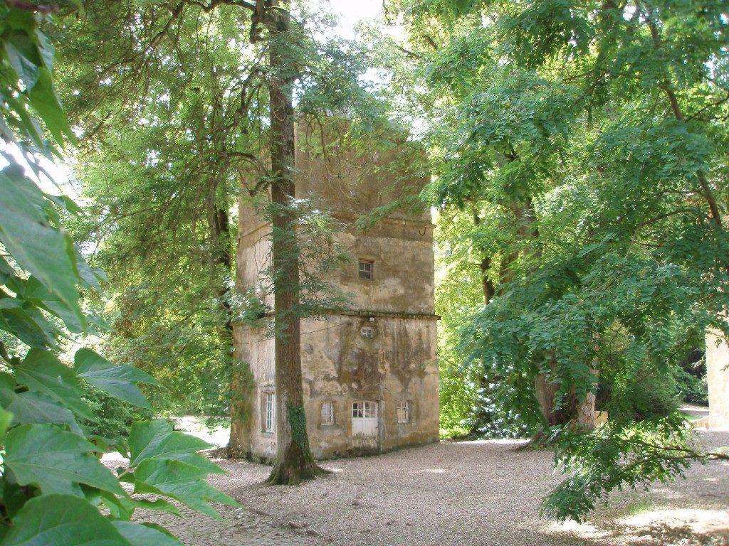 l'ancien colombier du château de Preisch