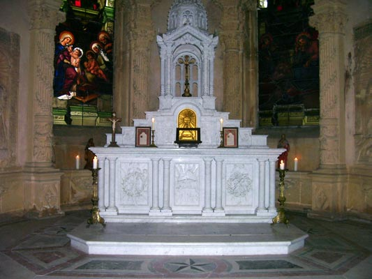 L'autel de la chapelle du château de Preisch