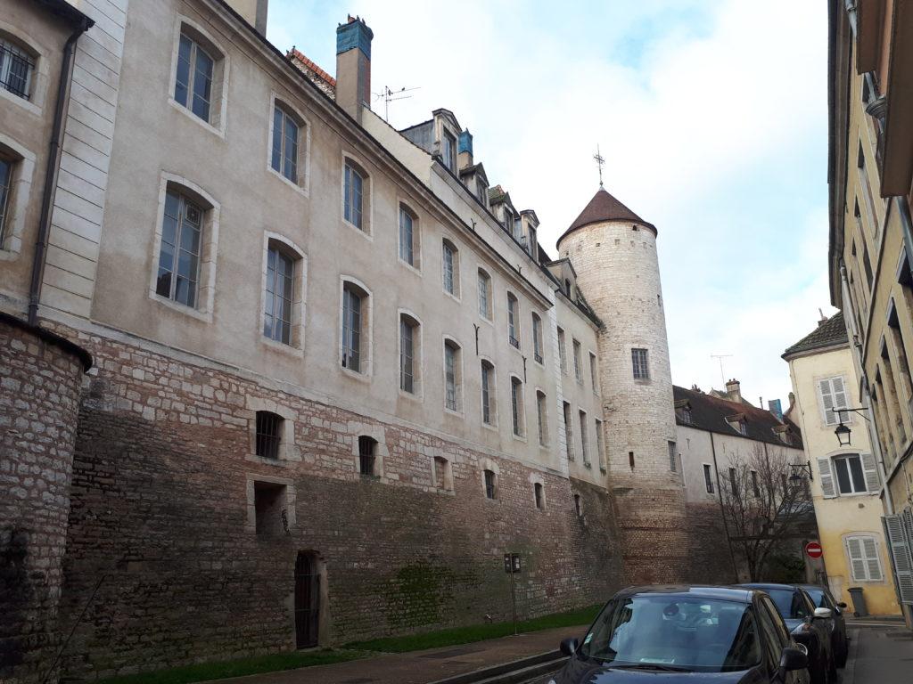 Le palais Episcopal